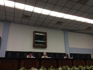 """Primer panel de especialistas: """"El conocimiento científico académico del campo de la comunicación. Mirarnos a nosotros mismos y contar nuestra historia"""". De izquierda a derecha: Dra. Florence Toussaint (FCPyS-UNAM), Dra. Delia Crovi Druetta (FCPyS-UNAM y Moderadora), Dra. Carmen de la Peza (UAM-X) Dra. Rebeca Padilla (UAA)."""