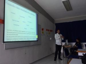 Mtro. Oscar Enrique Hernandez Razo, profesor e investigador del Departamento de Estudios Culturales, UAM-Lerma, en ponencia.