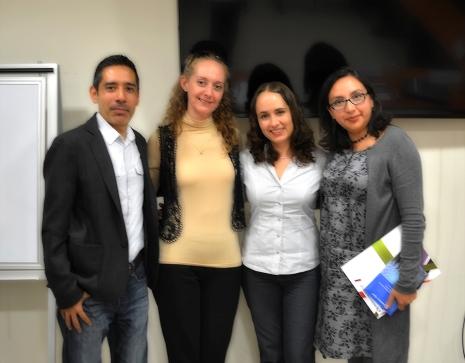 En la foto, de izquierda a derecha: Mtro. Daniel Hernández, Mtra. Alina Bassegoda, Dra. Gladys Ortiz y Mtra. Gabriela Rodríguez