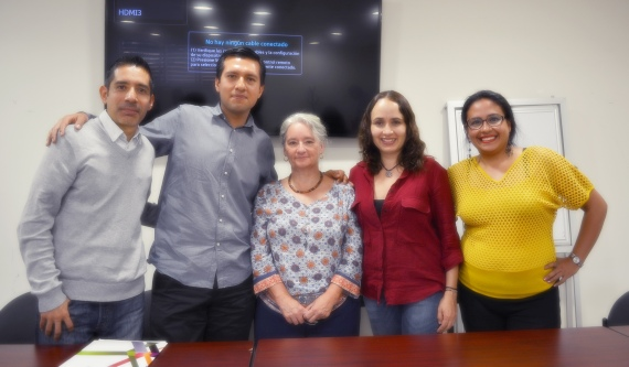 En la foto, de izquierda a derecha; Mtro. Daniel Hernández Gutiérrez, Mtro. Oscar Hernández Razo, Dra. Judith Kalman, Dra. Gladys Ortiz Hernderson y Mtra. Karla Edurne