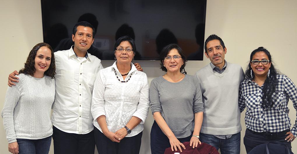 En la foto, de izquierda a derecha: Dra. Gladys Ortiz (UAM-L), Mtro. Oscar Hernández (UAM-L), Dra. Frida Villavicencio (CIESAS-DF), Dra. Eva Salgado (CIESAS-DF), Mtro. Daniel Hernández (UAM-L) y Mtra. Karla Romero.