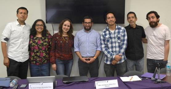 En la foto el Mtro Santiago Palmas (al centro) con el comité organizador del Seminario MeNTE 2016.